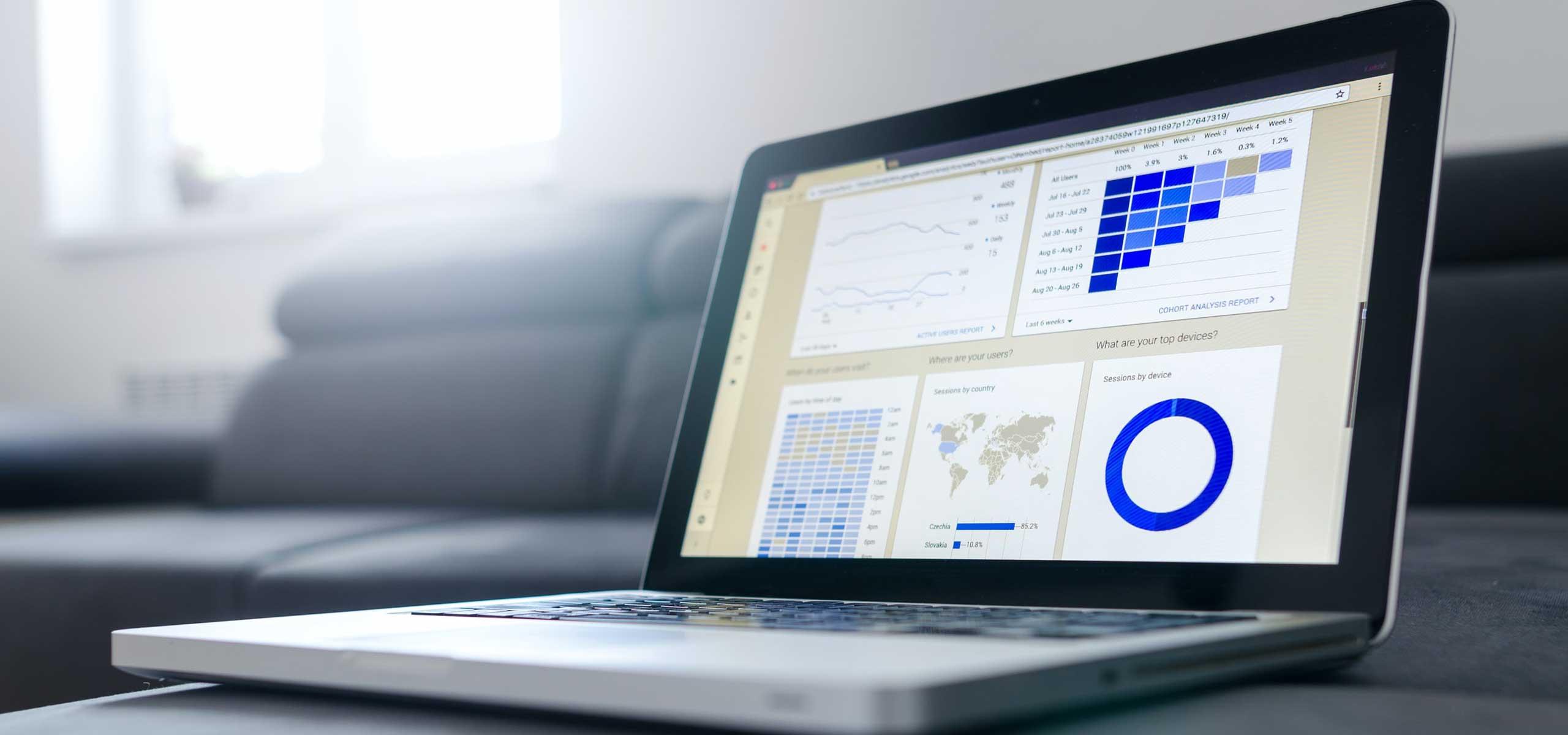 Cursuri de Excel avansati laptop